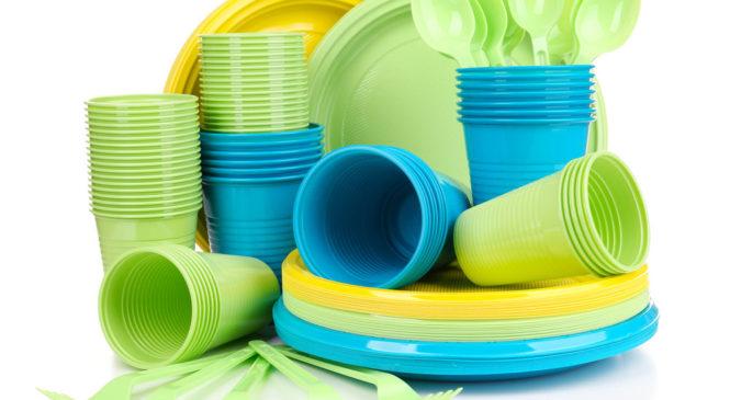 упаковка пластиковой посуды